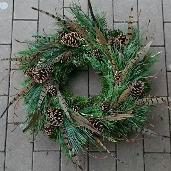 494050551bf8050e330a7d2b67713ac5--winter-wreaths-christmas-wreaths