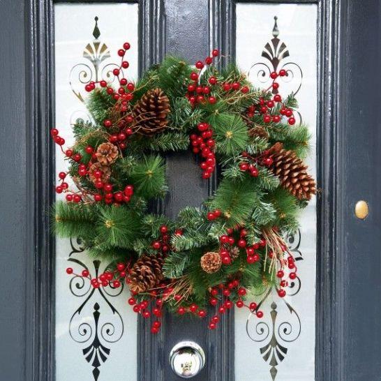 4b7d4f8f1ea90079b09533d11d6dc692--wreaths-for-front-door-christmas-door-wreaths